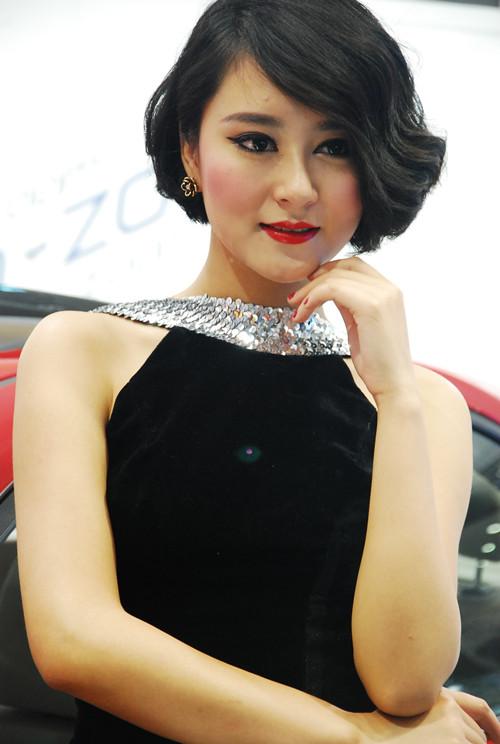 2013重庆车展车模组图 高清图片