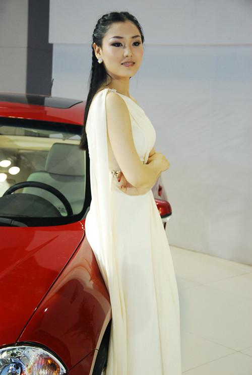 2013重庆车展车模组图高清图片