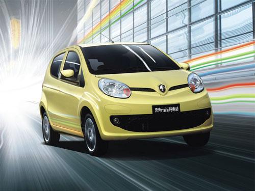 虽然奔奔mini在外型上汽油版奔奔mini几乎没有差别,但奔奔高清图片