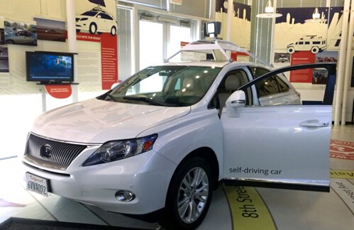 谷歌 奥迪 奔驰获无人驾驶汽车路试许可 高清图片