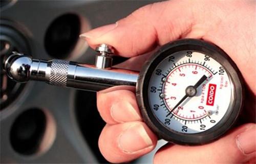 胎压表+充气泵