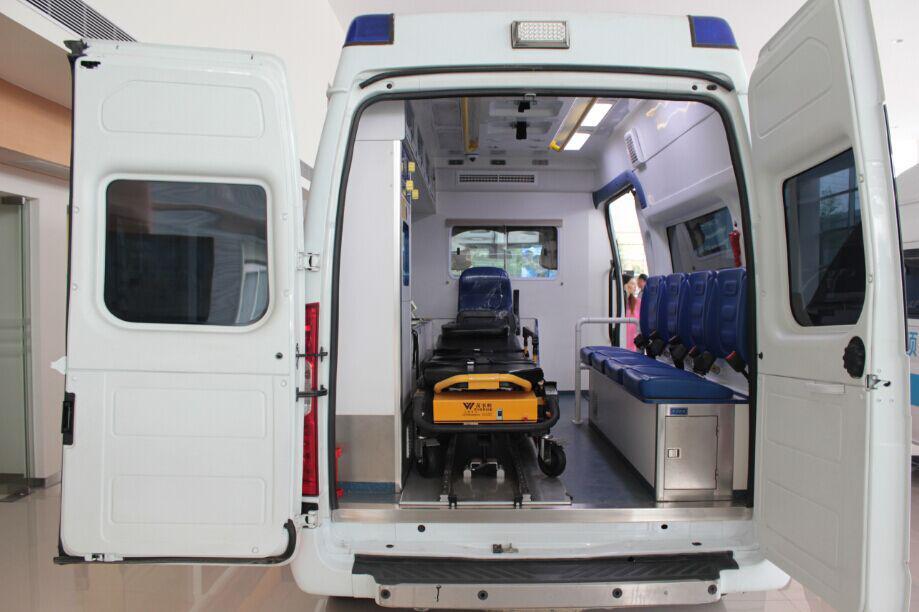 全顺救护车内部结构展示