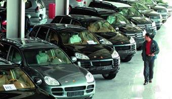 据国机汽车此前预测,2015年,国内进口车市场的增速将放缓至10%左右,与此同时,如果部分进口车的国产化时间提前,这一数字或将降至10%以下,为5年来最低增速。